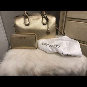Michael Kors handbag bundle